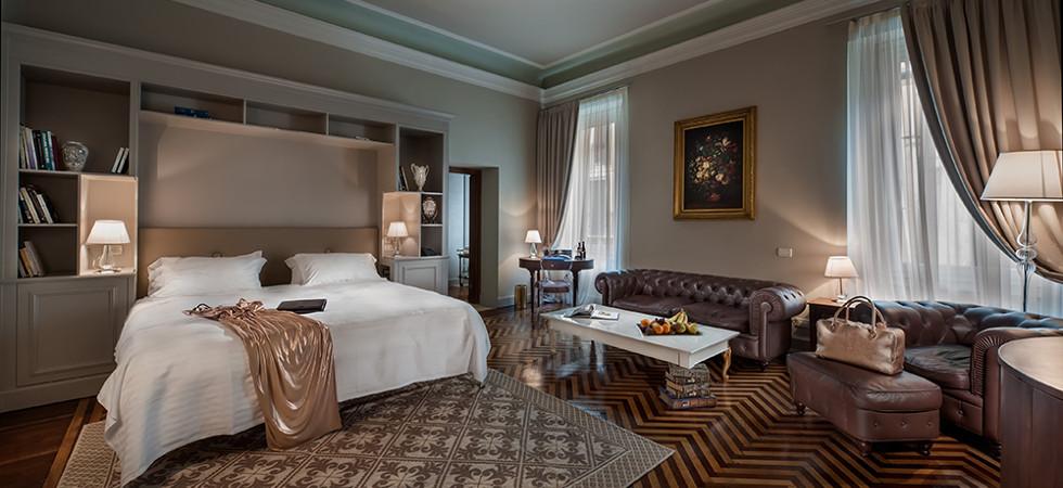 hotel bedroom, amenities,essentials,must haves